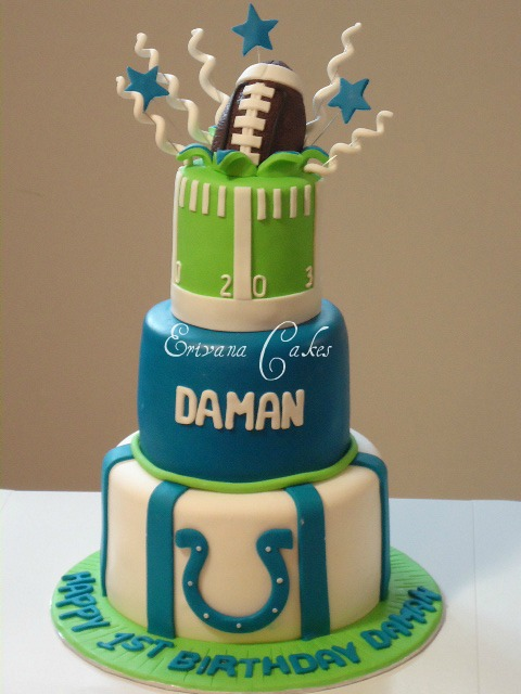Football Themed Cakes http://www.erivanacakes.com/apps/photos/photo?photoid=137058141