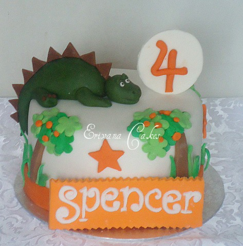Dinosaur/ dragon Themed Cake (B123)