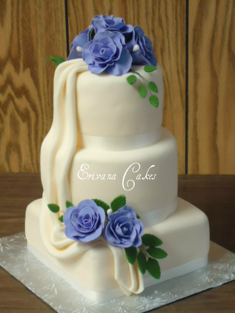 Lilac and Ivory wedding cake (W003)
