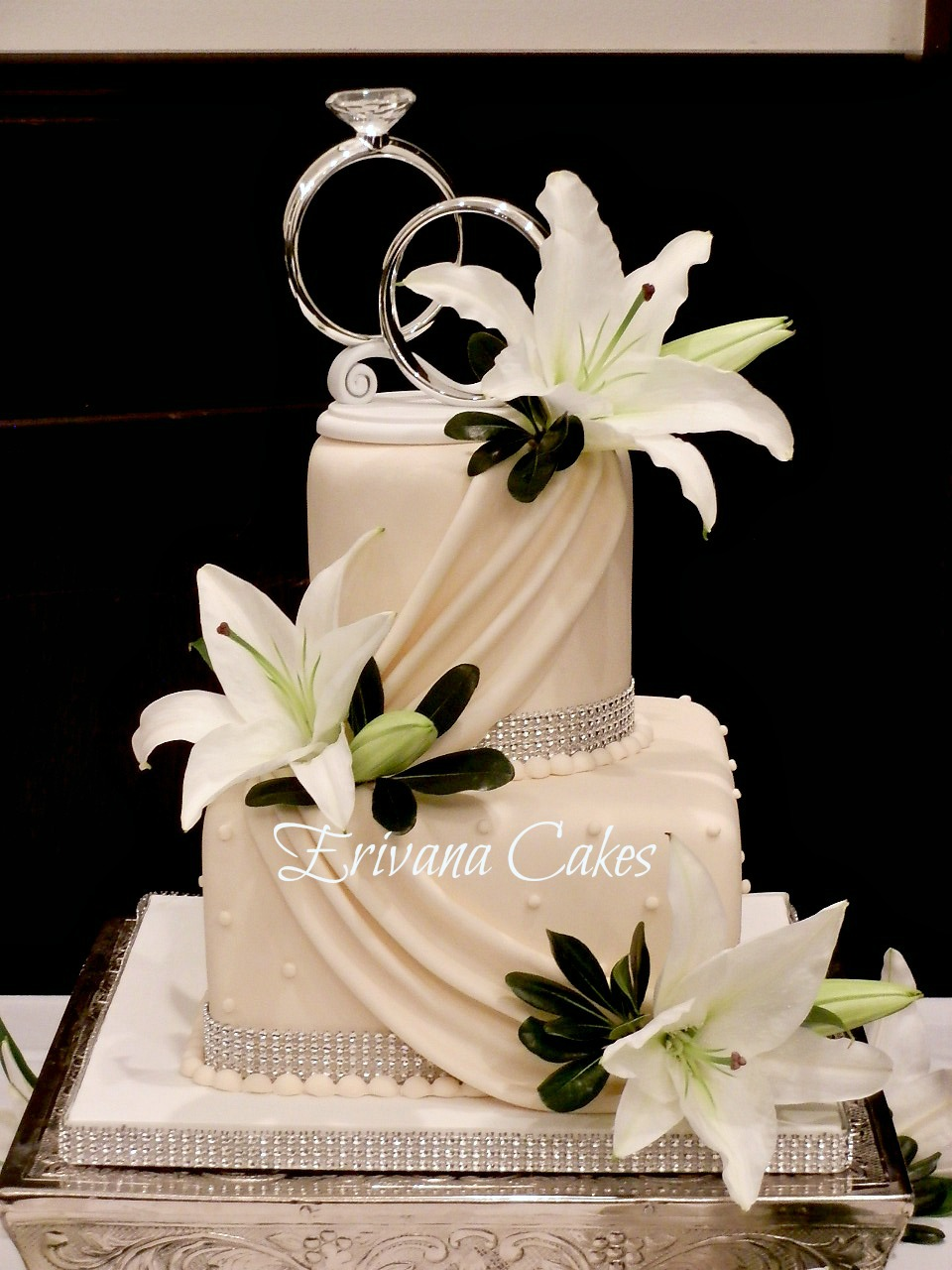 Ivory with Lily wedding cake