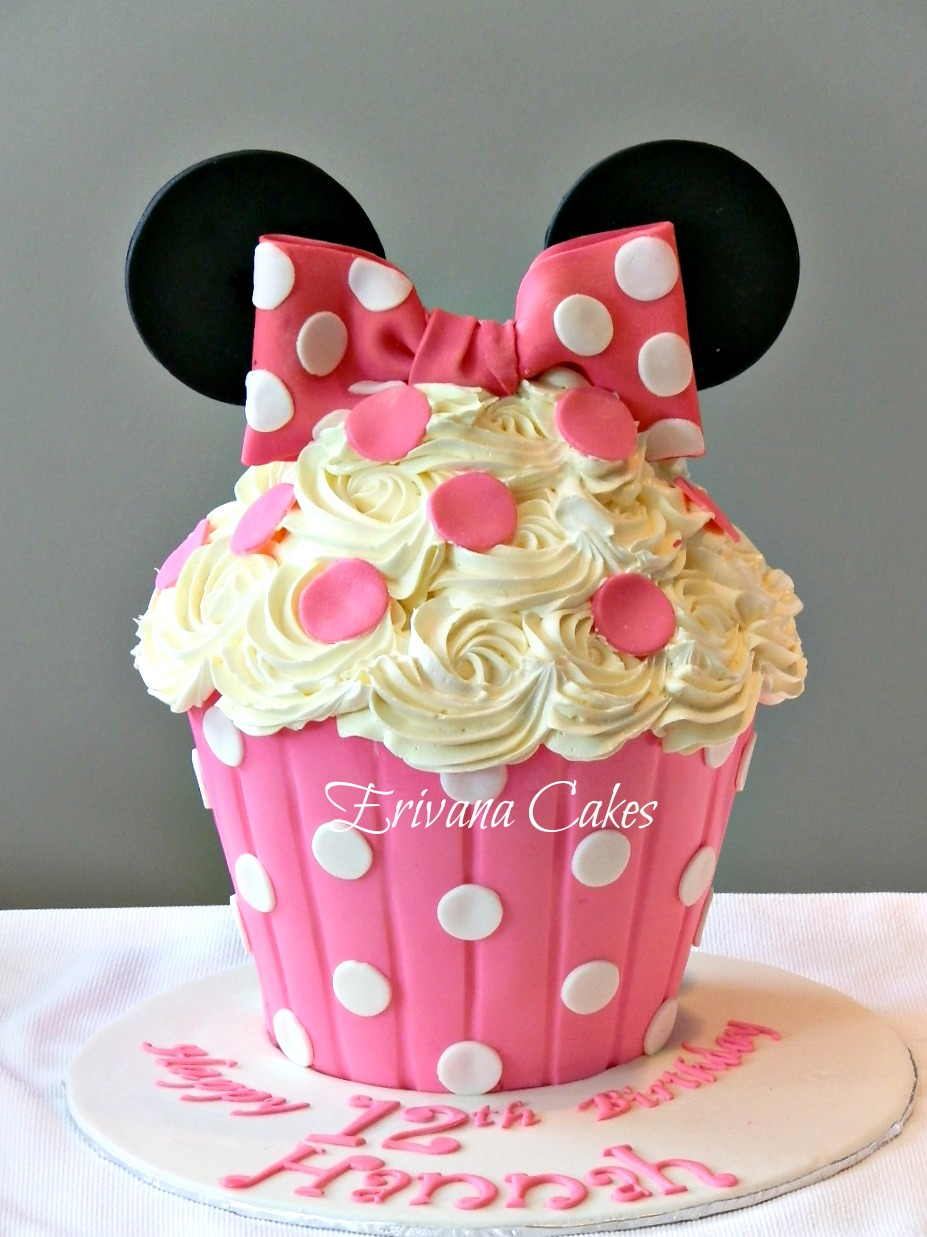 Minnie Mouse Cupcake cake