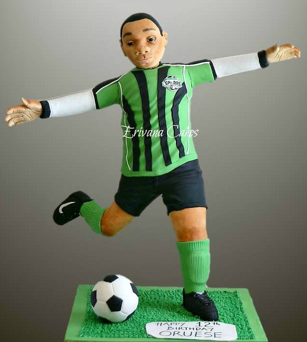 Gravity Defying - 3d Soccer player /Soccer Ball cake