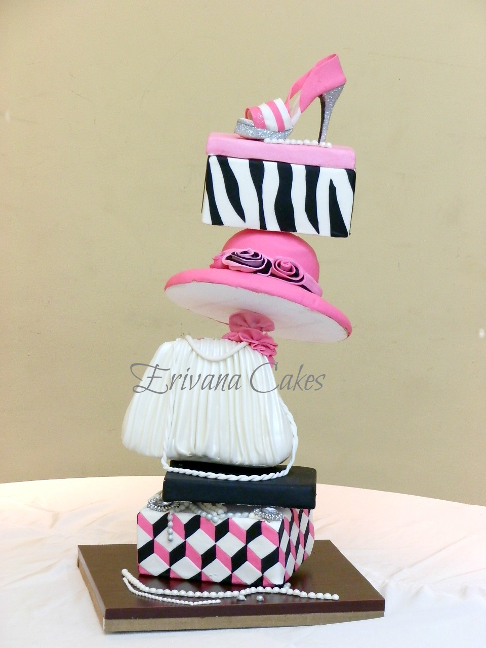 Topsy Turvy Cake Structure